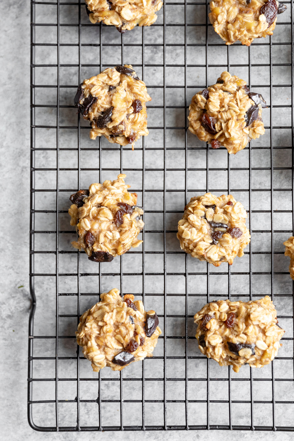 4 ingredient oatmeal raisin cookies